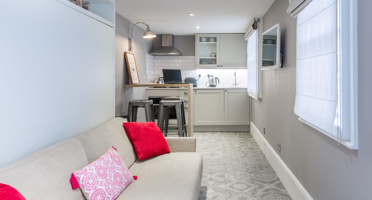 Looking for some outdoor space? Some of our basement studio apartments to rent in London offer courtyard access...